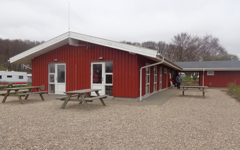 Service Building with 4 star facilities at Husodde Strand Camping