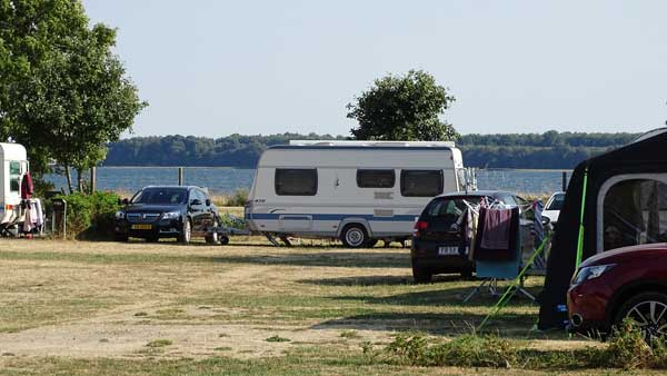 Pitches for those who appreciate a view of the fjord at Horsens City Camping